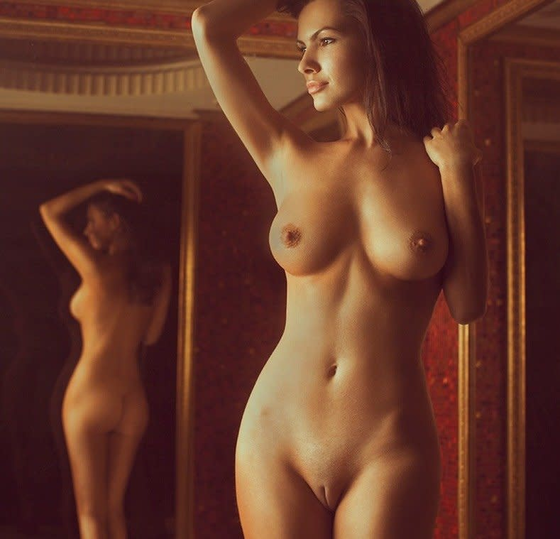 Первое Фото Голой Женщины