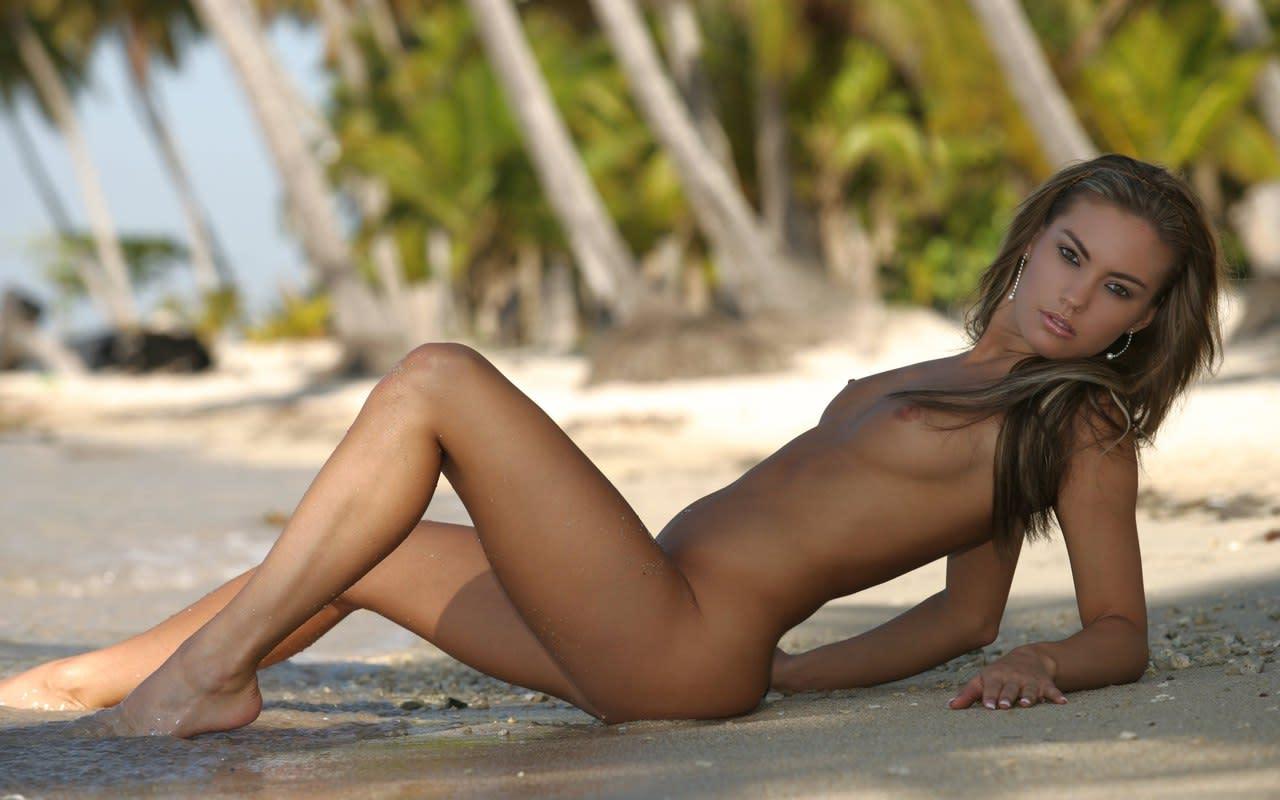 смотреть фото девки на пляже что